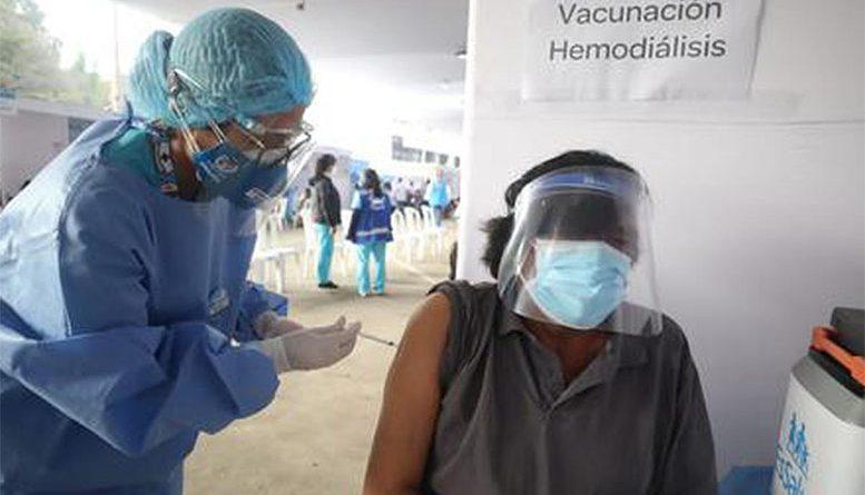 Pacientes renales solo pueden ser vacunados en los centros que les indican sus médicos tratantes