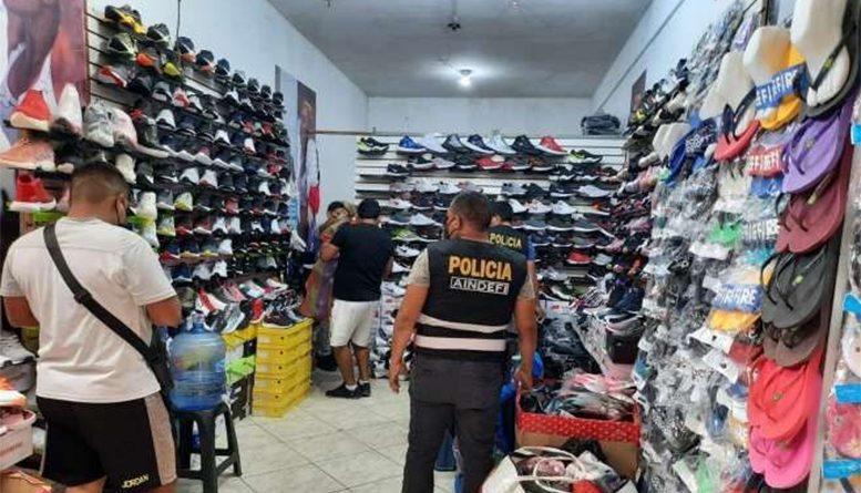 """Policía fiscal combate la """"piratería"""" en Tumbes"""