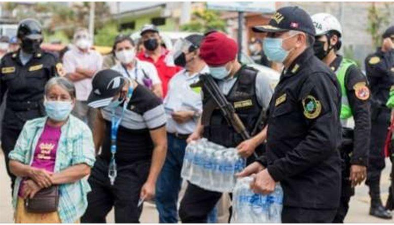 """Policía extiende su """"Mano amiga"""" en favor de familias vulnerables por el COVID -19"""